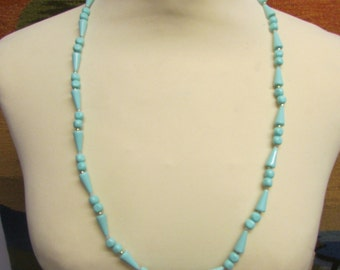 circa 1960s peppermint green conical & faceted round bead necklace
