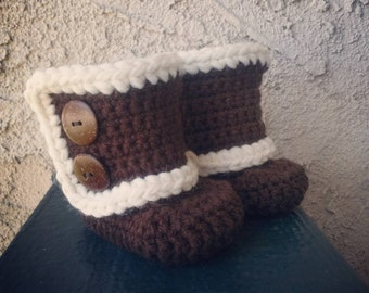 READY TO SHIP, Crochet Wrap Around Baby Booties 0-3 months, Baby Uggs, Winter Boots, Fur Trim, Eskimo Slippers, Baby Shower Gift Idea