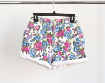 Vintage 80s 1990s Floral Printed Denim Jean Shorts High Waisted