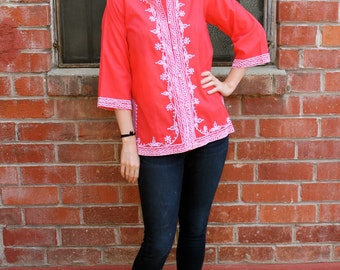 Beautiful Vintage 60's Rockabilly Tiki Bohemian Red Asian Print Boho Ethnic Embroidered Tunic Top Blouse Size Small to Large