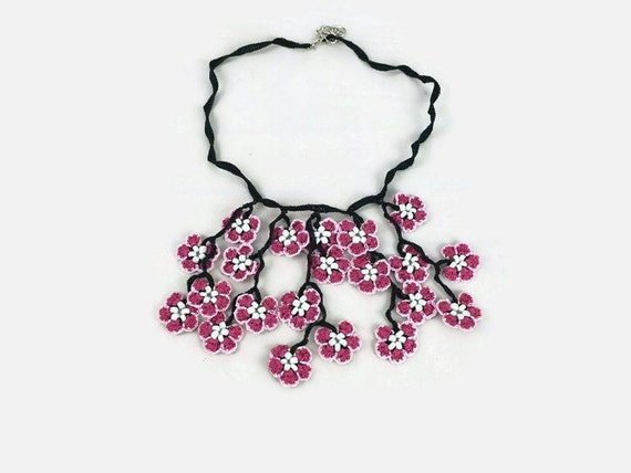 Pink Oya Flowers Crochet  Necklace, Dangling Flower pendant knitted neklace, Boho Chic Spring summer Statement Jewelry