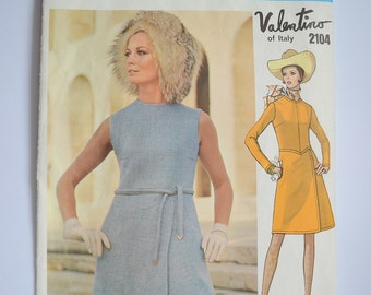 Vogue Couturier Design Valentino dress 1960s pattern 2104, Bust 31.5 inches, Vintage sewing pattern, Short dress, long sleeves, sleeveless