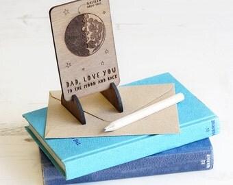 Väter Tag hölzerne Mond und hintere Karte Keepsake Token Geschenk für einzigartige Dad Daddy Grandad umweltfreundliche Holz Galileo Wissenschaft Astronomie Brieftasche Uk
