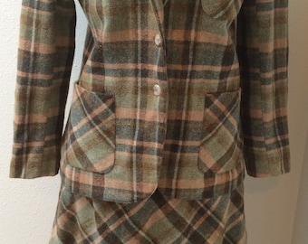 Green & Brown Plaid Wool 2 Piece 70's Suit by Panther Ladies size 13/14