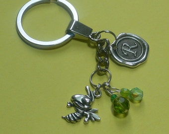 Initial Keychain, Personalized Keyring, Personalized Keychain, Bee Keyring, Bee Keychain, Custom Keychain, Bee Charm