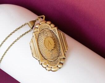 Initial Locket, Brass Locket, Vintage Brass Locket Necklace, Secret Locket, Antique Locket, Gift for Her, Wedding Locket Bridesmaid Locket