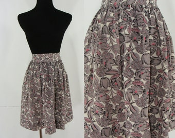 SALE Vintage Forties Skirt - 1940s Floral Print Skirt - 40s Rayon Purple Skirt - Small XS Summer Skirt