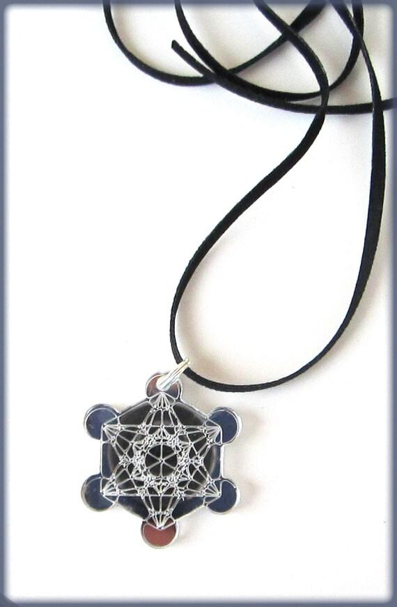 Metatron 39 s cube pendant engraved on mirror plexiglass for Metatron s cube jewelry