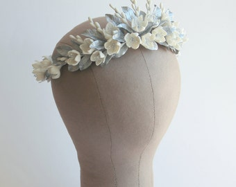 SAMPLE SALE. Bridal floral crown. Wedding floral crown. Bridal headpiece. Bridal crown. Wedding headpiece. Style 564
