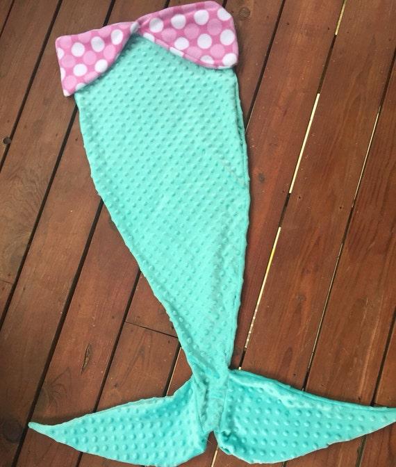 Items similar to Mermaid tail blanket on Etsy