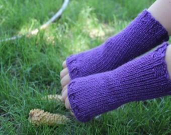 Purple fingerless gloves and headband