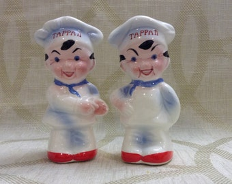 Super cute Vintage chef salt and pepper shakers