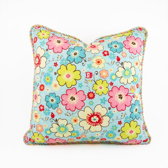 Throw Pillow Patterns Piping : Items similar to Flower Pillow with Piping, Cushion Cover, Kids Pillows, Throw Pillow Kids ...