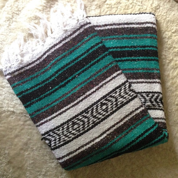 Can reach Vintage mexican blanket