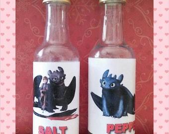 Salt & Pepper shakers - Toothless