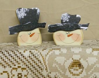 Set Of Two Snowmen Heads