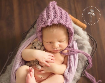 Newborn Daisy Pixie Bonnet