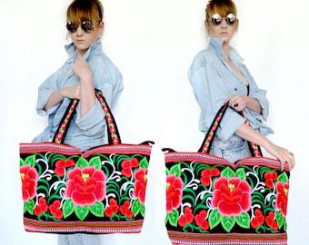 Boho embroided floral bag.