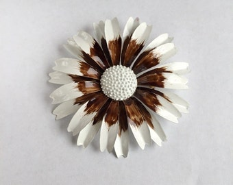 Fabulous 1960s Vintage Flower Brooch