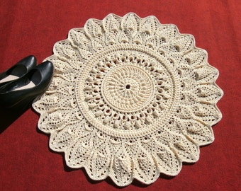Doily rug 27 inches Crochet round rug Light beige crochet carpet Living room decor Accent rug Lace carpet Lace rug Door mat Crochet mat