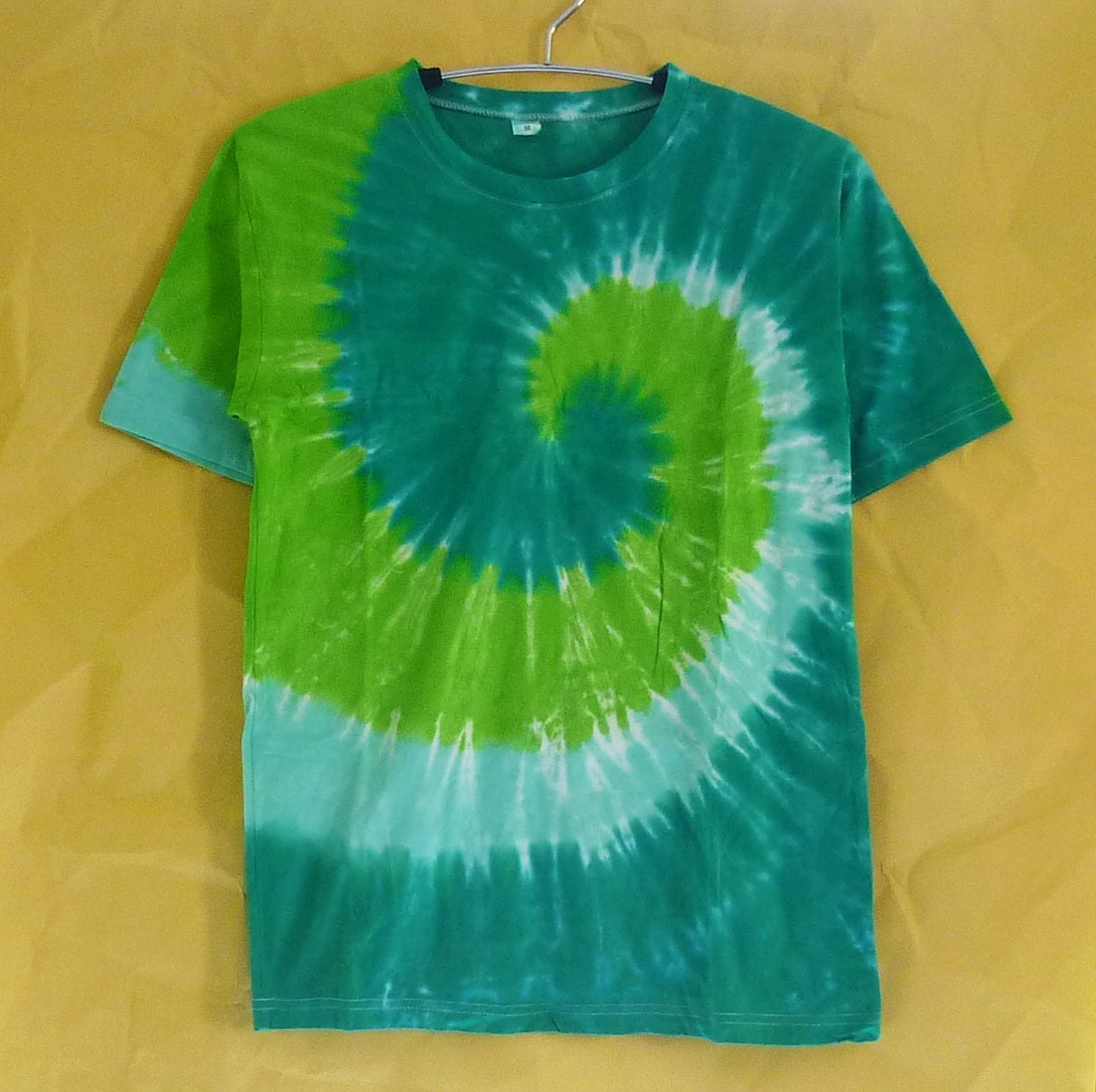 Tie dyed shirt green color short sleeve crew neck tee for Nike tie dye shirt and shorts