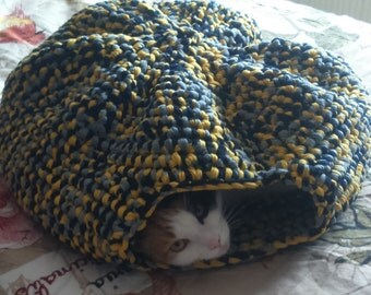 Cat Den - Yellow, grey and black