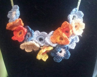 Pretty delicate crochet flower necklace