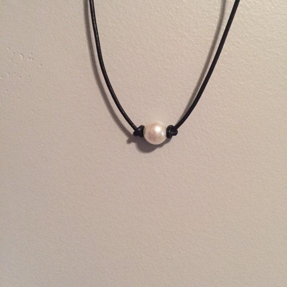 Choker Necklace Etsy: 1 Single Pearl Choker/necklace