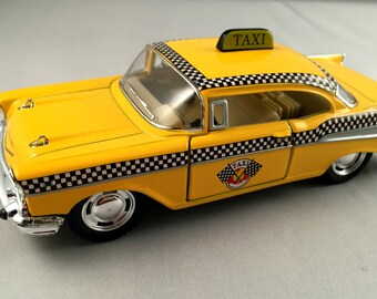 """CHEVROLET """"TAXI"""" 1957, metal toy car model. Lovely collectible item!"""