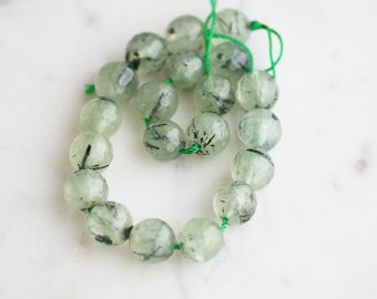 A2-693] Green Garnet / 10mm / Faceted Round Ball Bead  / 1/4 strand