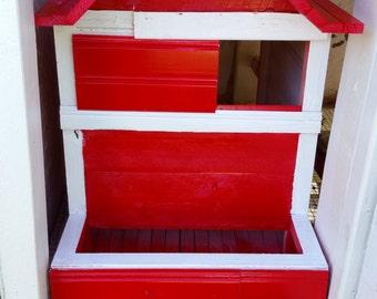 Sloping Nest Box
