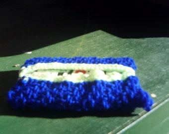 handknitted pocket tissue holder