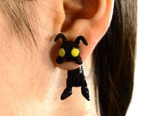 Heartless earring, from Kingdom Hearts :) Select 1 earring or a pair (2 in ''quantity)