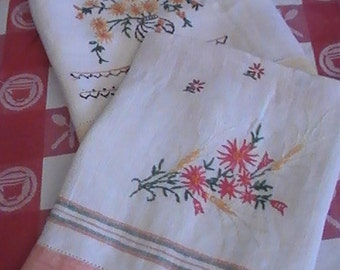 1950's Embroidered Kitchen Towels