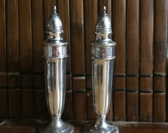 Beautiful Vintage Set Of Silver Salt And Pepper Shakers.