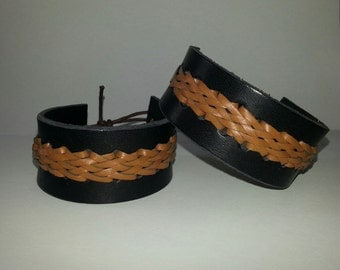 Leather Bracelet with tangle