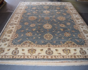 Nice Oushak Oriental hand knotted area rug 8 x 10
