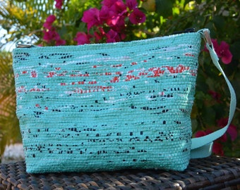 Purse handwoven out of plastic shopping bags