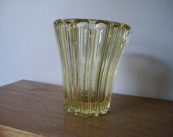 Yellow French ART DECO Glass Vase Pierre AVESN 1940 réf lalique
