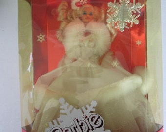 1989 Holiday Barbie, Special Edition barbies, NRFB dolls, vintage Barbies, toys, Collectible dolls, Christmas dolls, Mattel collectible toys
