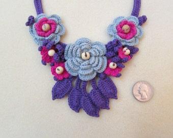 Crochet Necklace, Crochet Collar, Flower Necklace, Eco Friendly Jewelry, Fashion Necklace, Crochet Jewelry, Mini Scarf, sustainable jewelry