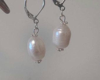 Freshwater pearls earrings (Jolie-Waterfall Collection)