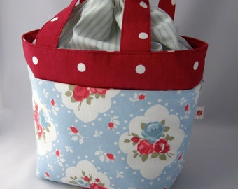 Fabric bag with drawstring lining