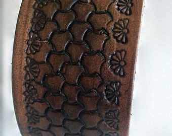 Brown Leather Cuff Bracelet With Pattern