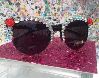 Cute flower sunglasses with rhinestones