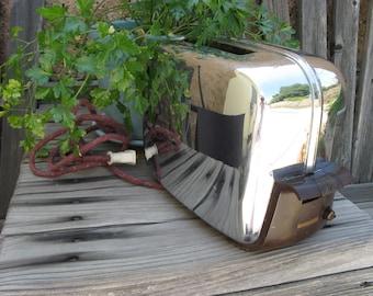 SALE !!!~~50s Vintage Chrome Toastmaster Toaster