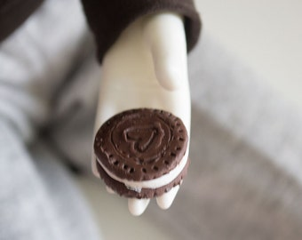 Miniature Oreo Cookie Prop Food for MSD SD BJD