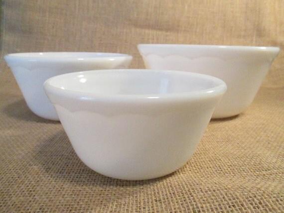 vintage white milk glass mixing bowls set of 3. Black Bedroom Furniture Sets. Home Design Ideas