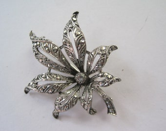 Delicate flower brooch