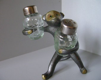 Vintage glass salt and pepper shakers, Soviet vintage shakers, unique thing, collectible